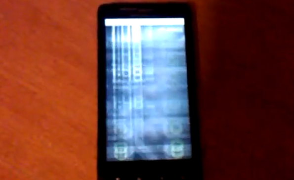 iphone screen flashing verizon responds to droid x screen issues not widespread 6774
