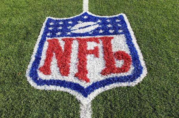 http://www.droid-life.com/wp-content/uploads/2011/08/NFL.jpg