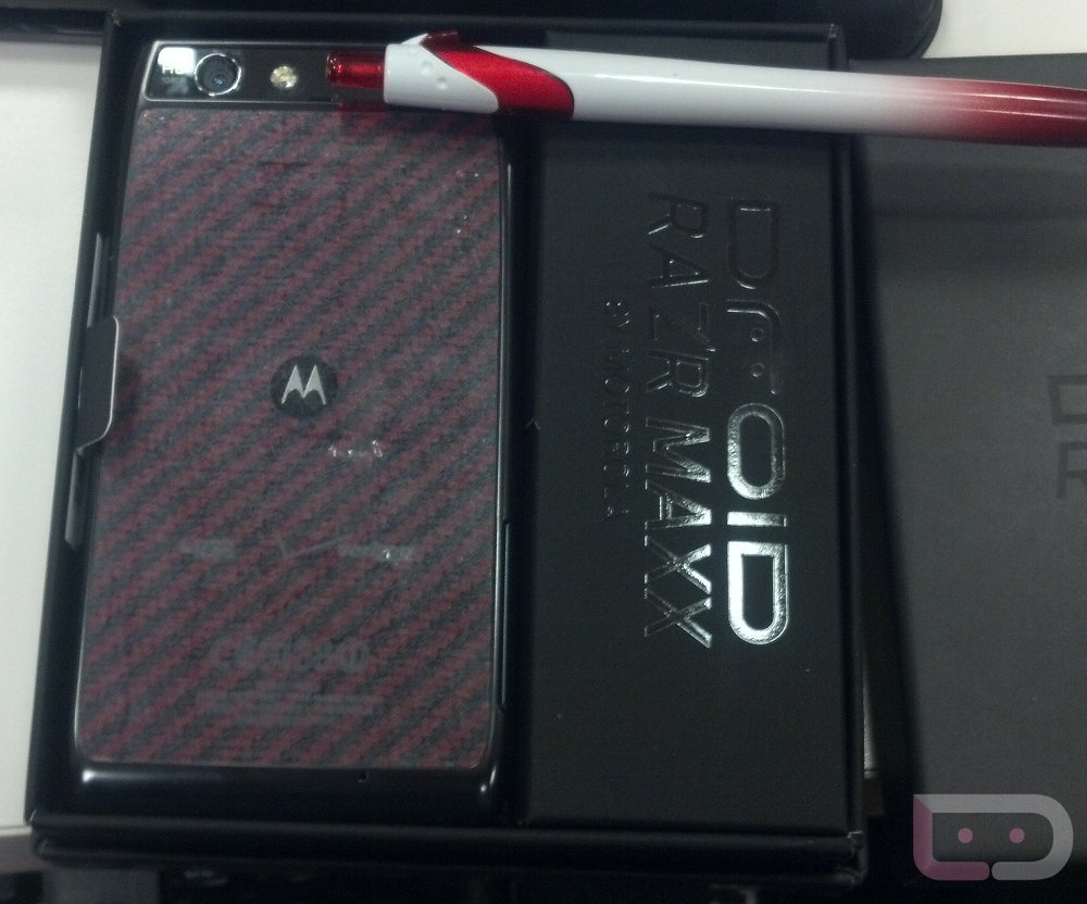 Limited Edition Red Droid Razr Maxx Devices Start To