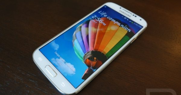 Tear Down Reveals American Samsung Galaxy S4 Greatly Differs...
