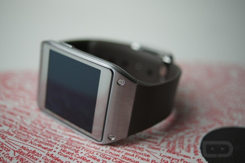Galaxy Gear Gets Custom ROM Treatment, Features Custom