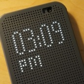 HTC Dot View - 2