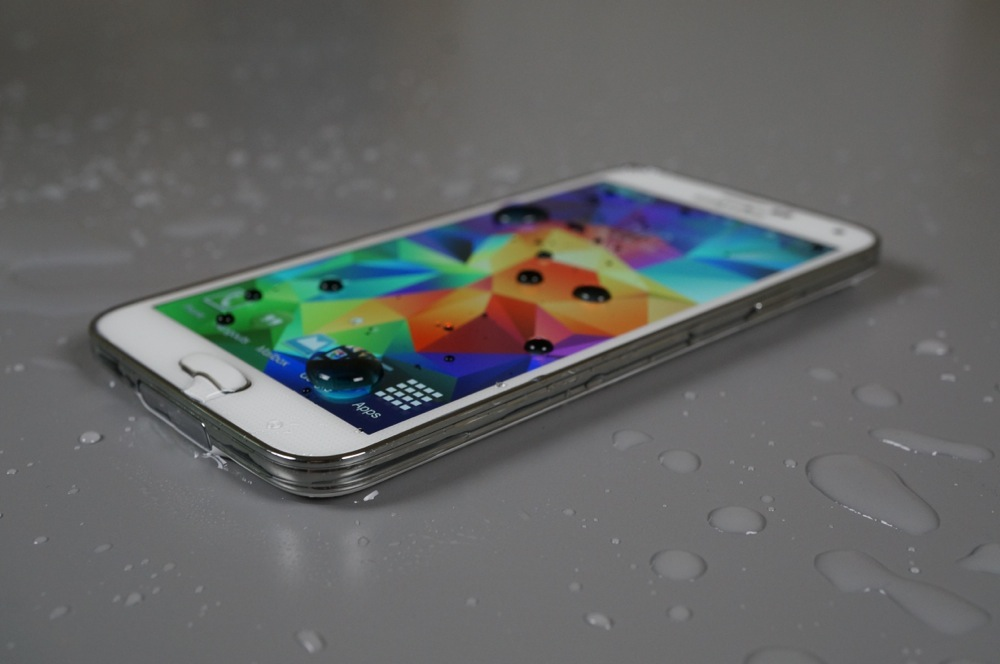 galaxy s5 water-6