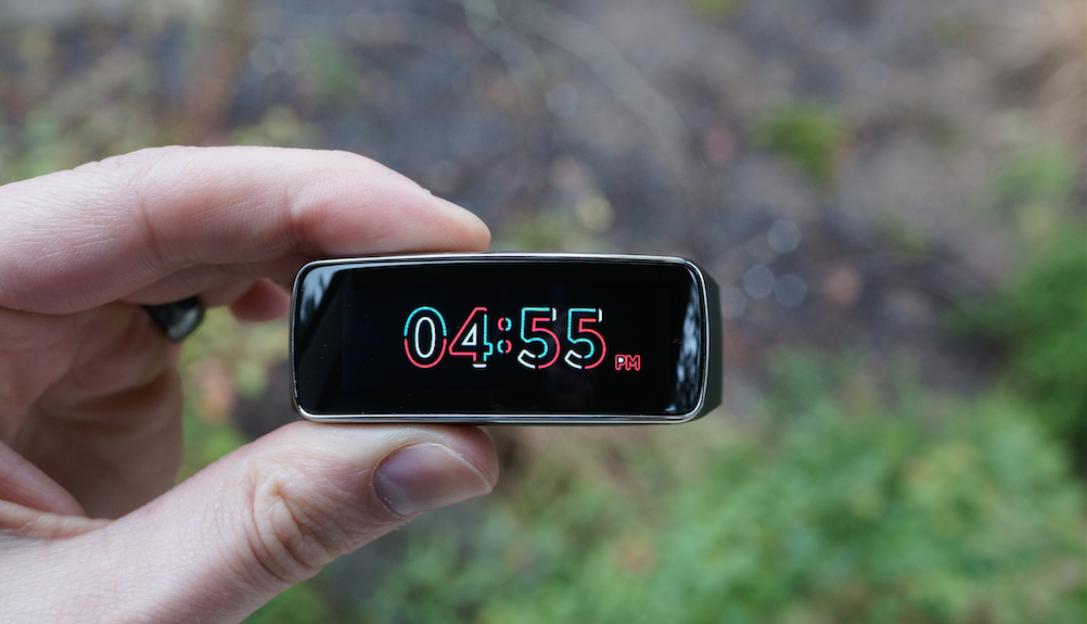 Samsung Gear Fit Review Terrible Fitness Tracker And Smartwatch