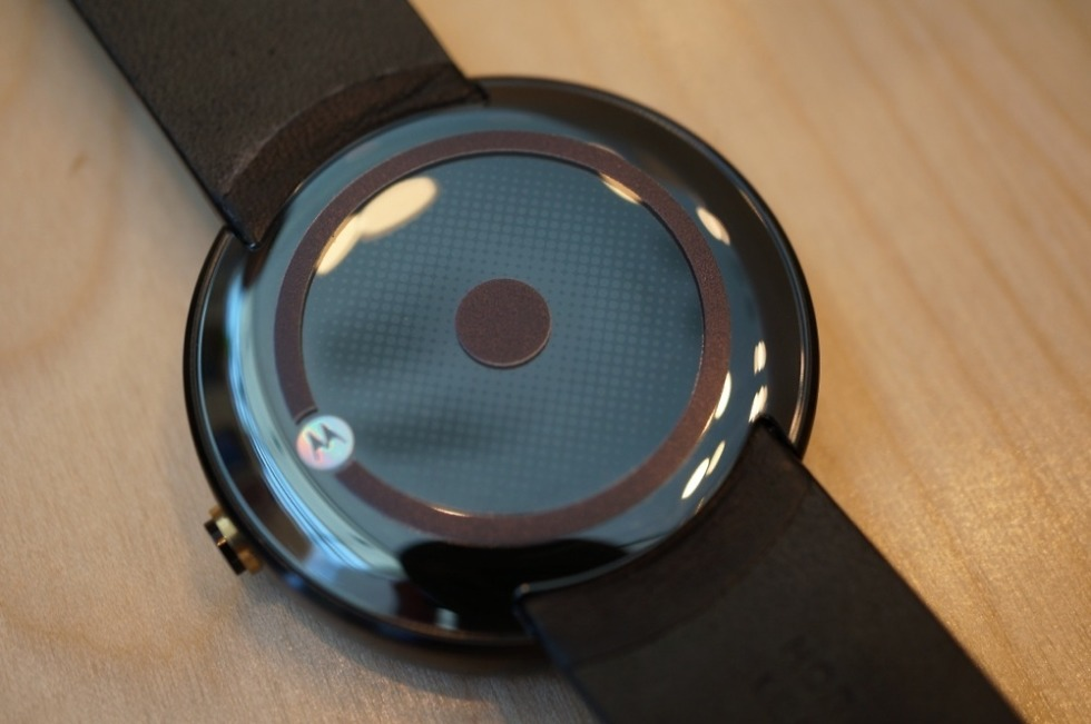 Huge Moto 360 Leak Outs Wireless Charger, IP67 Rating, 2 5