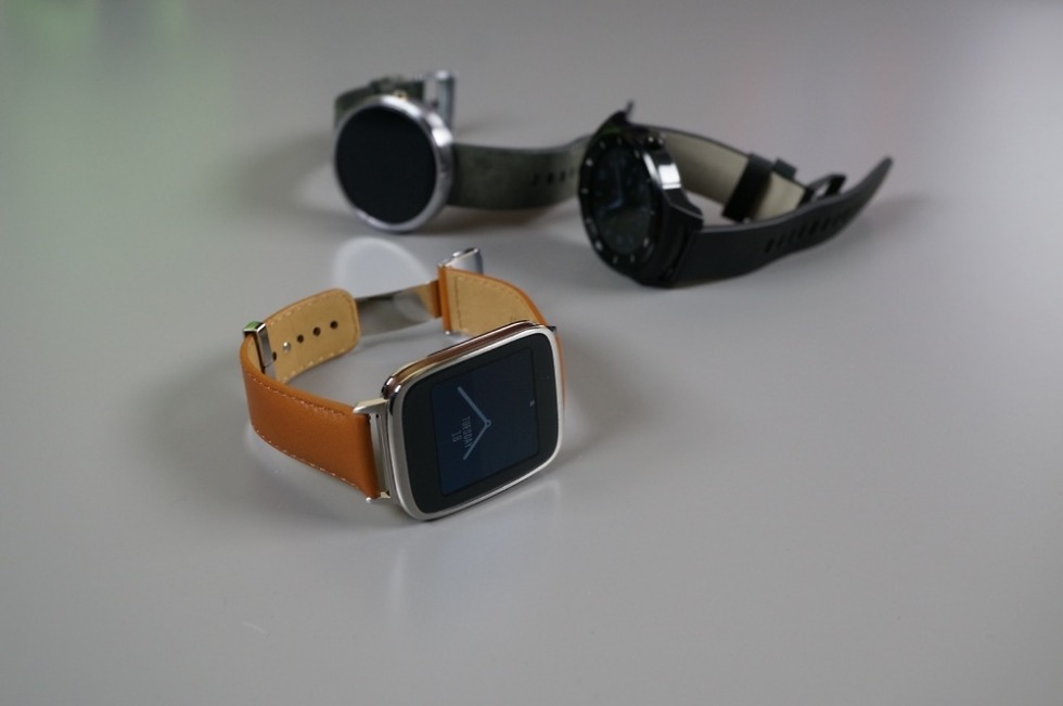 ASUS ZenWatch, Making Contact with Video