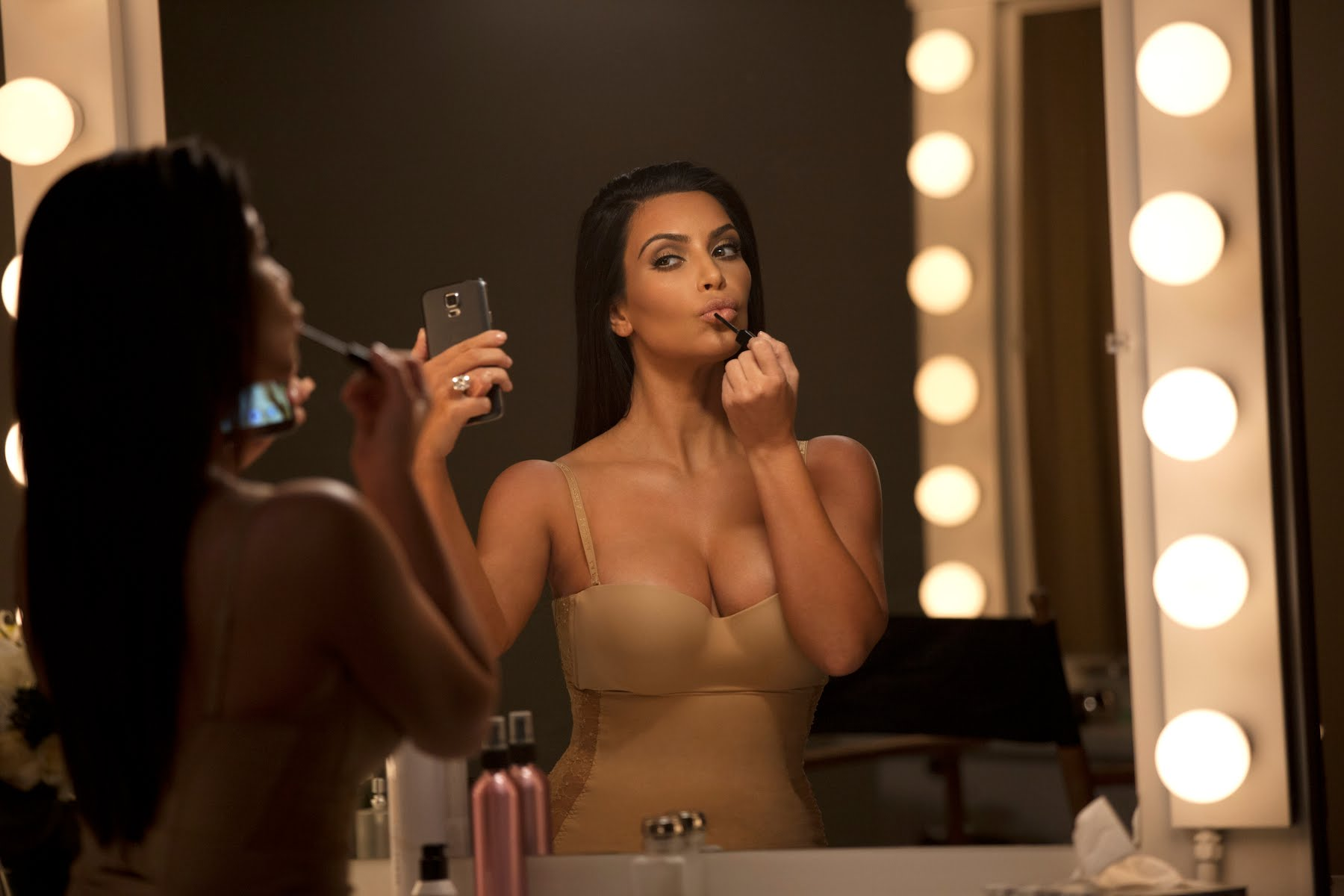 #KimsDataStash | T-Mobile Commercial