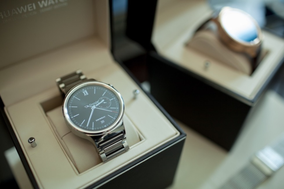Report: Huawei to Ditch Android Wear in Favor of Samsung's