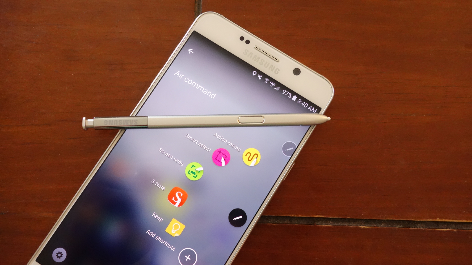 Samsung Galaxy Note5 with S-pen