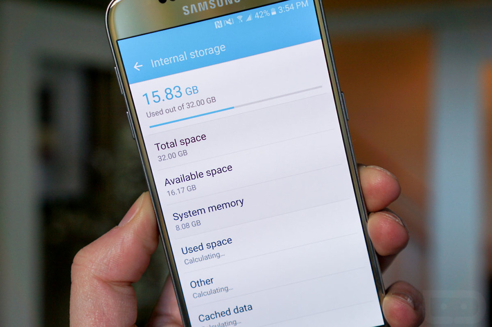 Galaxy S7 System Uses Up 8GB Out of the Box, but You can Move Apps
