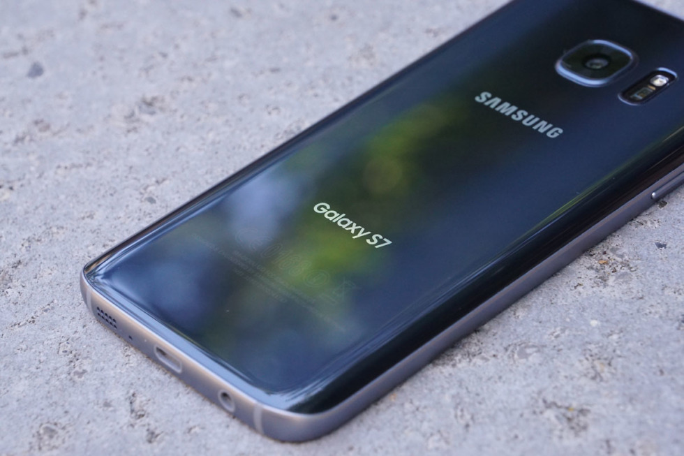 Samsung Pulls Plug on Galaxy S7 Updates Four Years Later