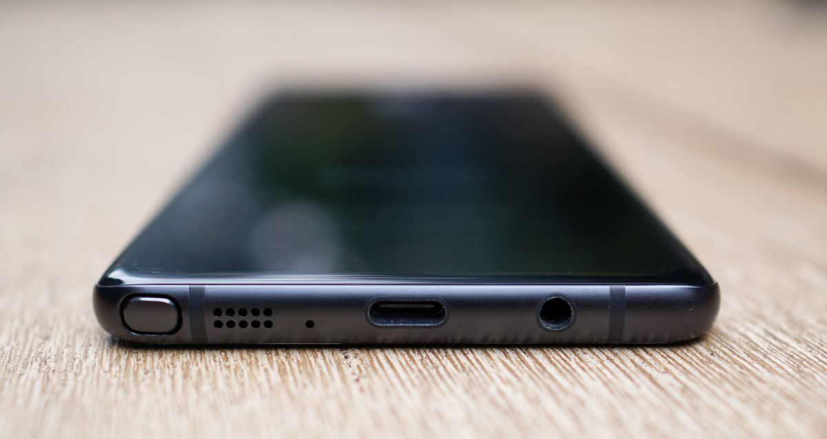 Samsung's Galaxy S8 will reportedly ditch the headphone jack