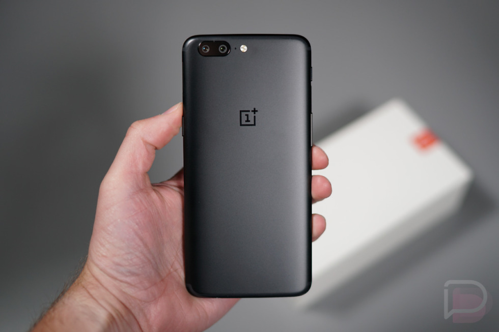 Oneplus 5 Unboxing A Look At Cases Accessories And More