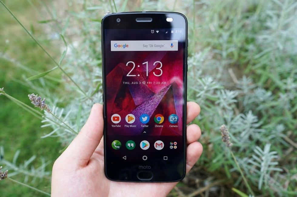 Moto Z2 Force 3 of 10 980x653 - Verizon Moto Z2 Force Getting Pie, Which Means 5G Moto Mod Support