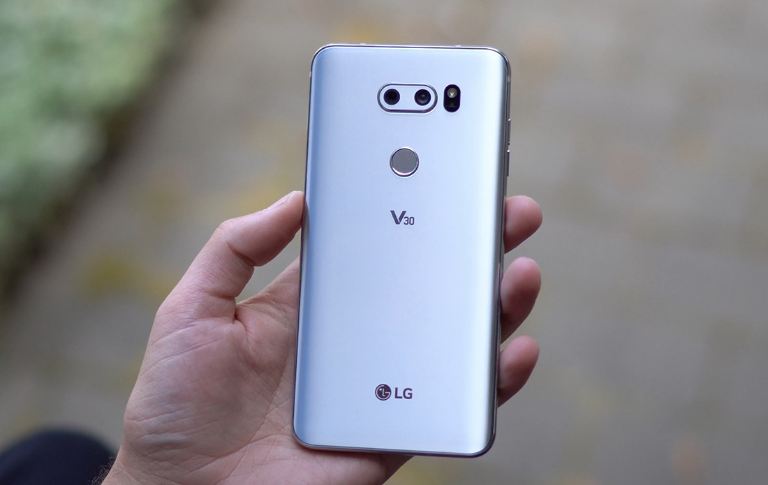 Video: LG V30 First Look and Tour!