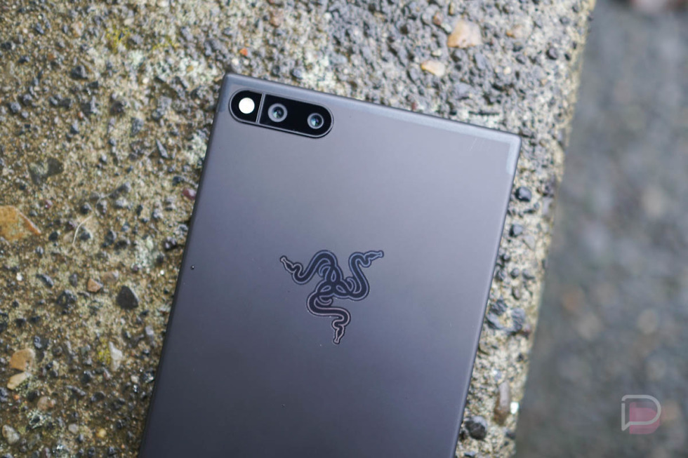 Razer Phone 2 Listing in Play Console Details Chroma App, 8GB RAM, and Snapdragon 835(?)