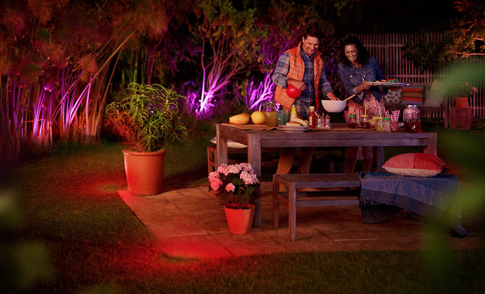 philips hue ces outdoor lights