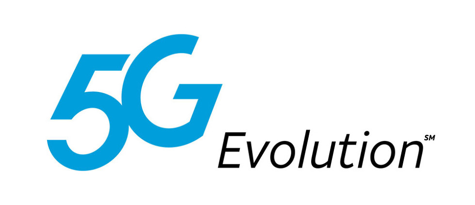 """AT&T Will Soon Show Customers a """"5G"""" Network Logo on Their"""