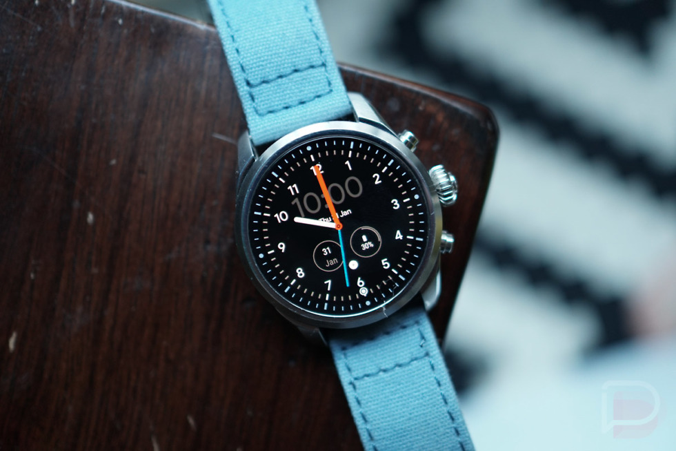 """Smartwatch Sales """"Booming"""" in US, Google Doesn't Seem Too Interested"""