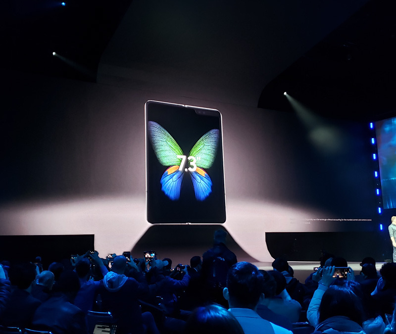 Here's the $2,000 AT&T Samsung Galaxy Fold Being Fondled