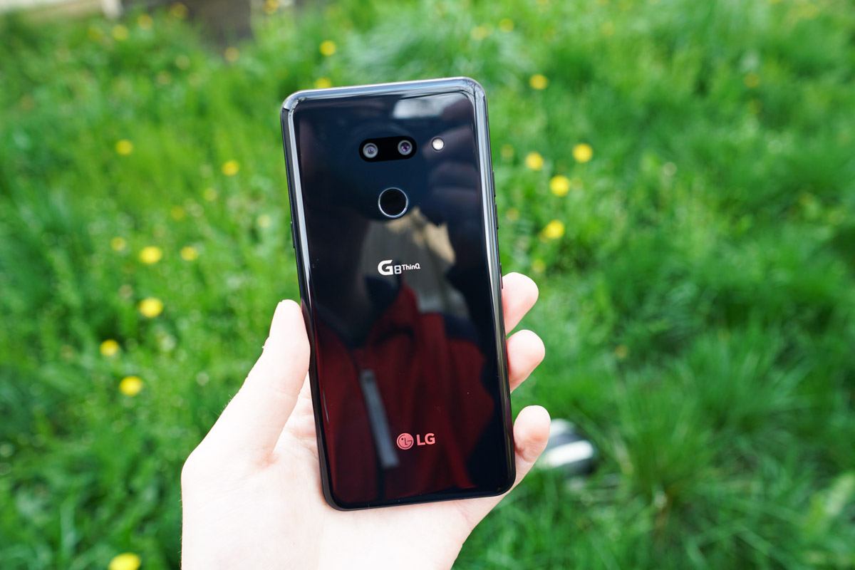 LG G8 ThinQ Review: Gimmicks Don't Help Dated Software, Hardware