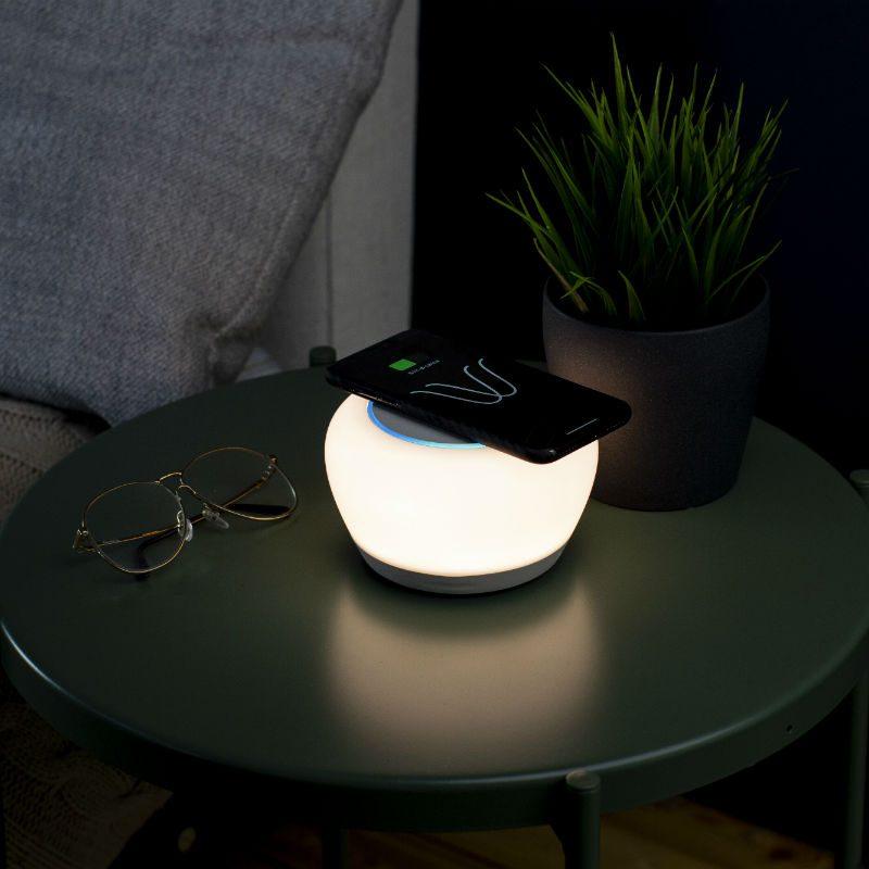 Crowdfund Spotlight: $129 Luna Smart Lamp Offers Fast Wireless Charging, Alexa, and Built-In Bluetooth Speaker