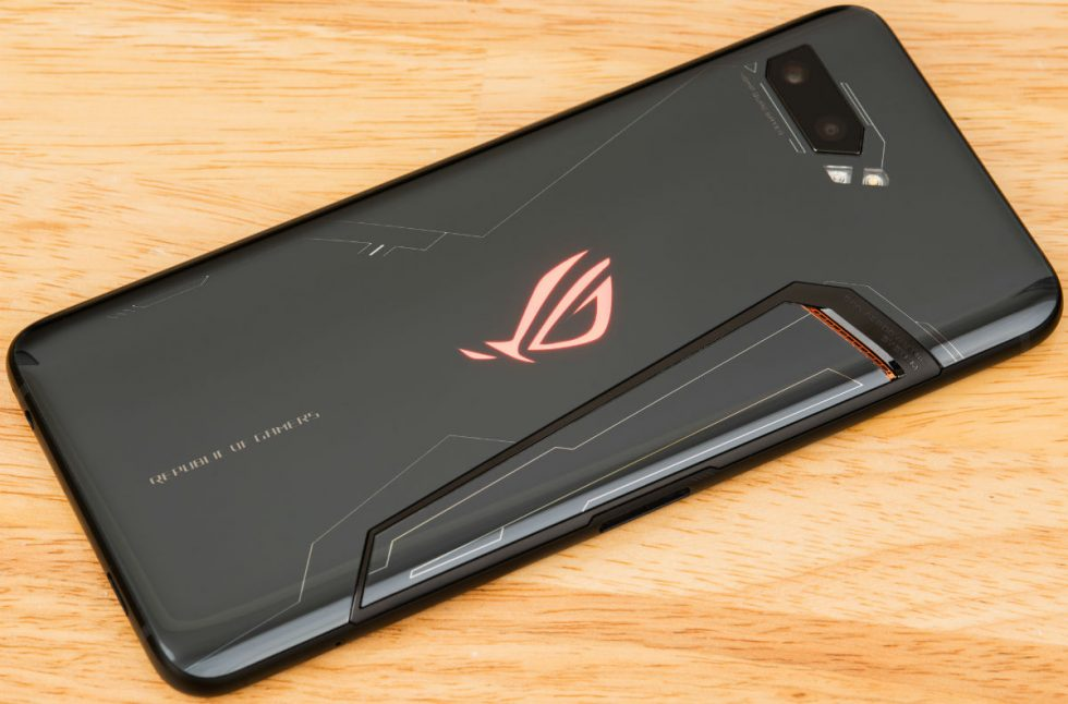 ASUS ROG Phone II Features a 6.6″ 120Hz Display, Snapdragon 855+, and 6,000mAh Battery
