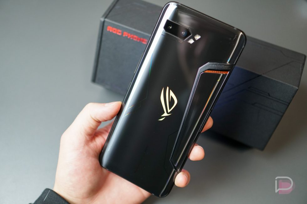 Video: ASUS ROG Phone 2 Unboxing and First Look!